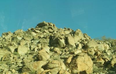 サウジアラビアの岩山