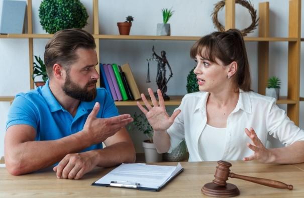 夫婦で離婚の際の婚前契約書作成