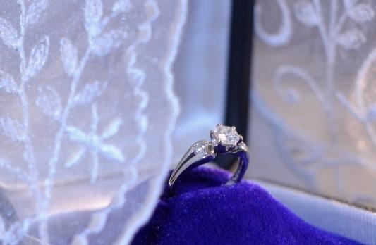 結婚指輪のダイヤモンド