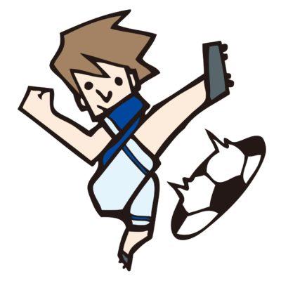 サッカー選手がボールを蹴る画像